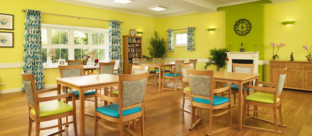 Bright and airy dinning area with plenty of seating