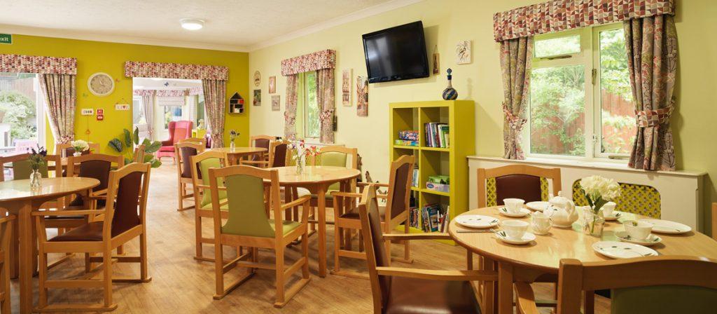 The Laurels & Pine Dinning room
